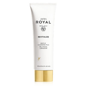 ROYAL Revitalize Gentle Cleansing Milk